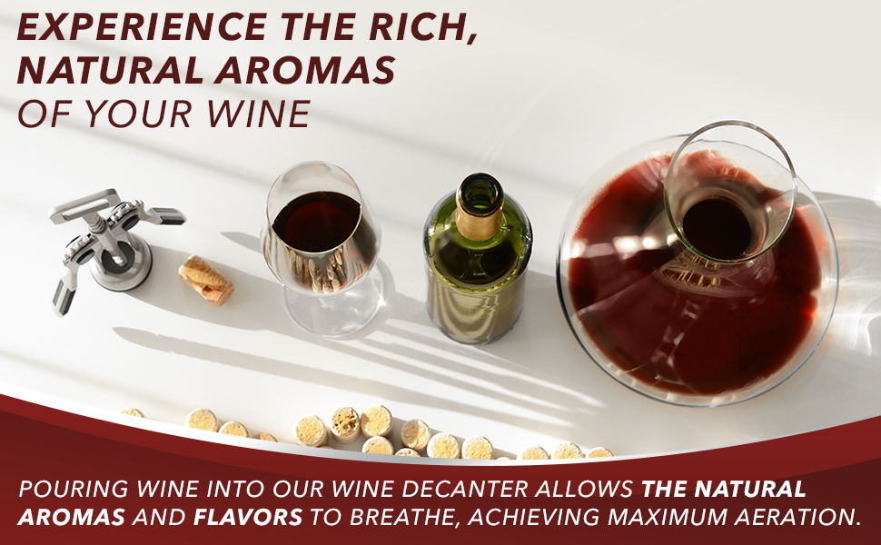 Le Chateau glass decanter allows wine to breathe, exposing the wine's rich, natural aromas